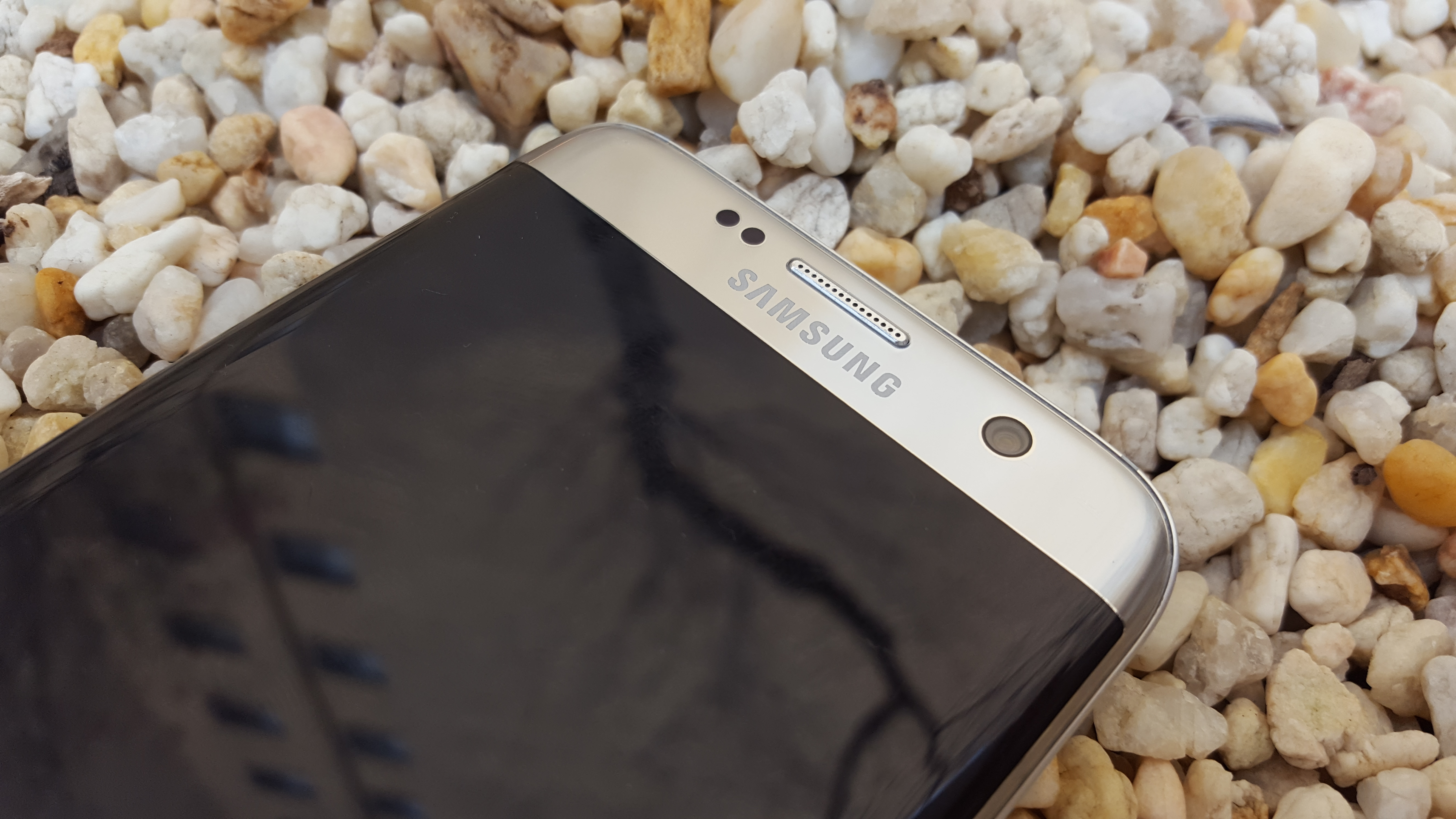 Samsung Announces Graphene Ball Battery
